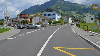 In Zukunft werden die von links auf der Wilstrasse herannahenden Lenker Vortritt gegenüber den Fahrzeugen auf der Engelbergstrasse haben. (Bild: PD)