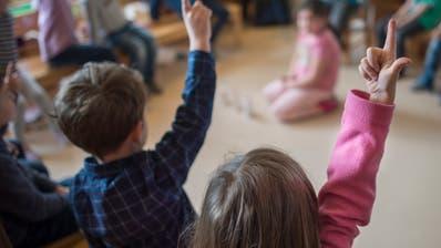 In der Schule Gaiserwald werden rund 900 Kinder und Jugendliche auf verschiedenen Stufen unterrichtet. Im Bild sind Kindergärtler in Abtwil zu sehen. (Bild: Benjamin Manser)