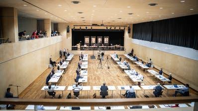 Die Sitzung fand wegen Corona-Massnahmen im Dreispitzsaal statt. (Bild: Andrea Stalder (Kreuzlingen, 11. Juni 2020))