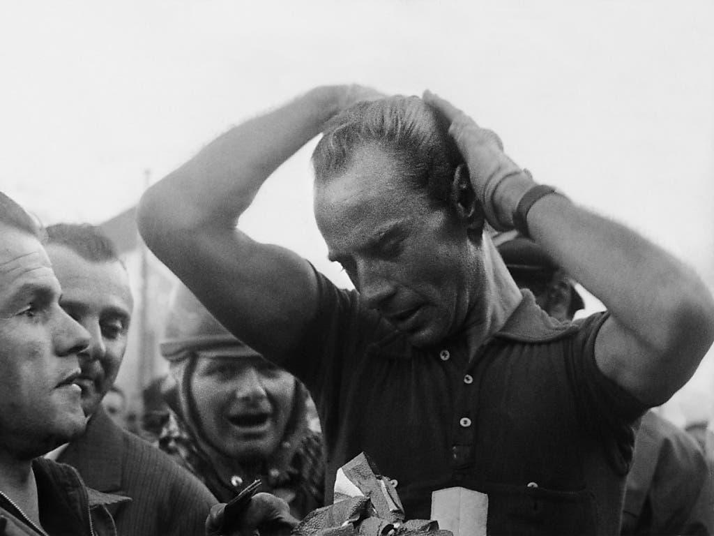 Kaum hatte er die Ziellinie überquert, kämmte sich Hugo Koblet die Haare