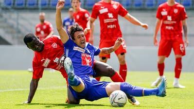 Überragend: Vaduz-Mittelfeldmann Tunahan Cicek (links) gegen den Luzerner Mittelfeldspieler Marvin Schulz. (Bild: Martin Meienberger/Freshfocus (Vaduz, 13. Juni 2020))