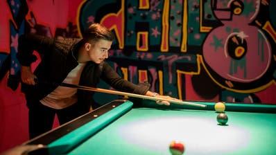Billard-Tische gehören zu beliebten Einrichtungen in Jugendtreffs. (Bild: Severin Bigler)
