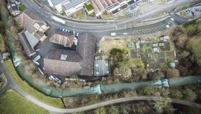 Anstelle der alten Lagerhallen zwischen Wilerstrasse und Murg soll eine Wohnüberbauung entstehen. ((Bild: Olaf Kühne, 3. Februar 2017))