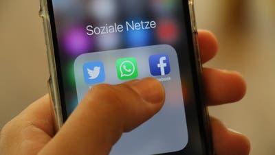 Heutzutage tummeln sich fast alle auf Social-Media-Plattformen wie Twitter oder Facebook. (Bild: PD/Carmen Epp)