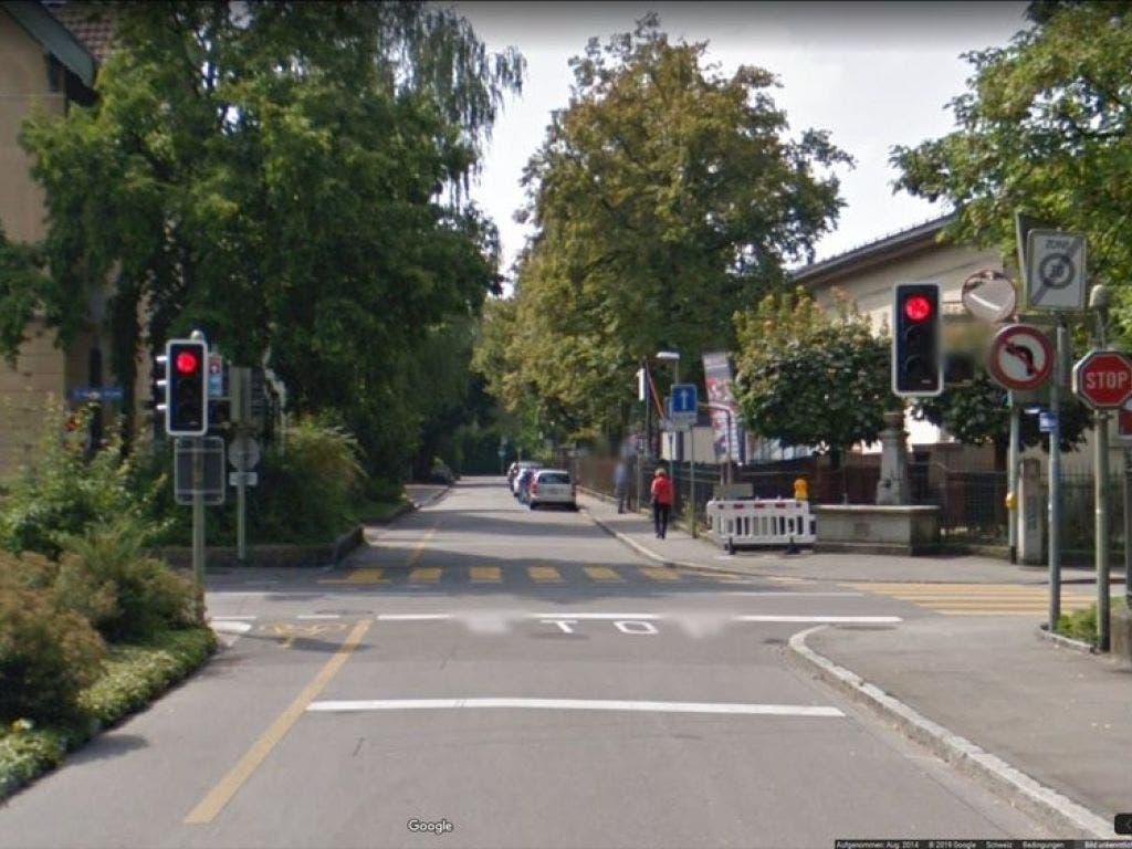 Negativ erwähnt wird vom VCS unter anderem die Kreuzung des Velowegs in Winterthur bei der St. Georgenstrasse und der Trollstrasse. Hier gebe es eine lange Wartezeit und der Veloweg kreuze die Museumsstrasse ohne Vortritt.