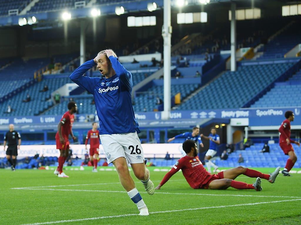 Tom Davies traf in der Schlussphase für Everton nur den Innenpfosten