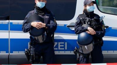 Randale im Herzen von Stuttgart mit Verletzten und Plünderungen