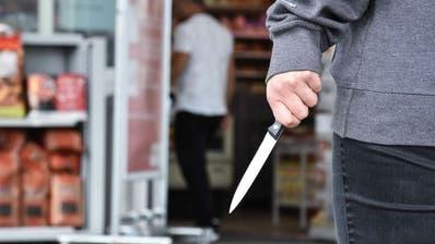 Ein 37-Jähriger wurde in Sevelen bei einem Streit mit einem Messer verletzt. (Symbolbild Kapo)