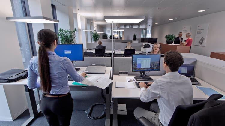 Führungs-, Selbst- und Sozialkompetenzen gewinnen an Bedeutung bei der Büroarbeit. (Symbolbild) (Keystone)