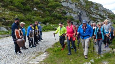 17 Stunden war die Wandergruppe unterwegs. (Bild: PD)