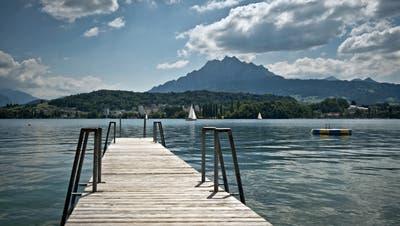 Auf diesem Steg im Lido ereignete sich der fatale Unfall. (Bild: Pius Amrein (Luzern, 14. Juni 2014))