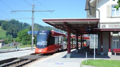 Bahnreisende aus dem Rotbachtal (im Bild ist Bühler zu sehen) sind mit dem Fahrplanentwurf 2021 der Appenzeller Bahnen nicht zufrieden. (Bild: Astrid Zysset)