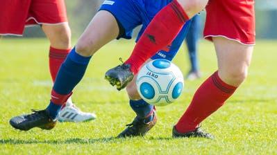 Auf Trainings und Spiele müssen der FC Besa und der FC Herisau vorerst verzichten. (Symbolbild: Urs Bucher)