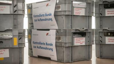 Der Thurgauer Generalstaatsanwalt Stefan Haffter musste bezüglich der Klage wegen Wahlfälschung bei den Grossratswahlen 2020 sieben Kisten voller Wahlzettel auszählen. (Bild: Reto Martin)