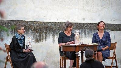 Von Leidenschaften und Hilfswörtern: Darüber haben die Schriftstellerinnen Anna Stern und Zsuzsanna Gahse in der Kartause Ittingen gesprochen