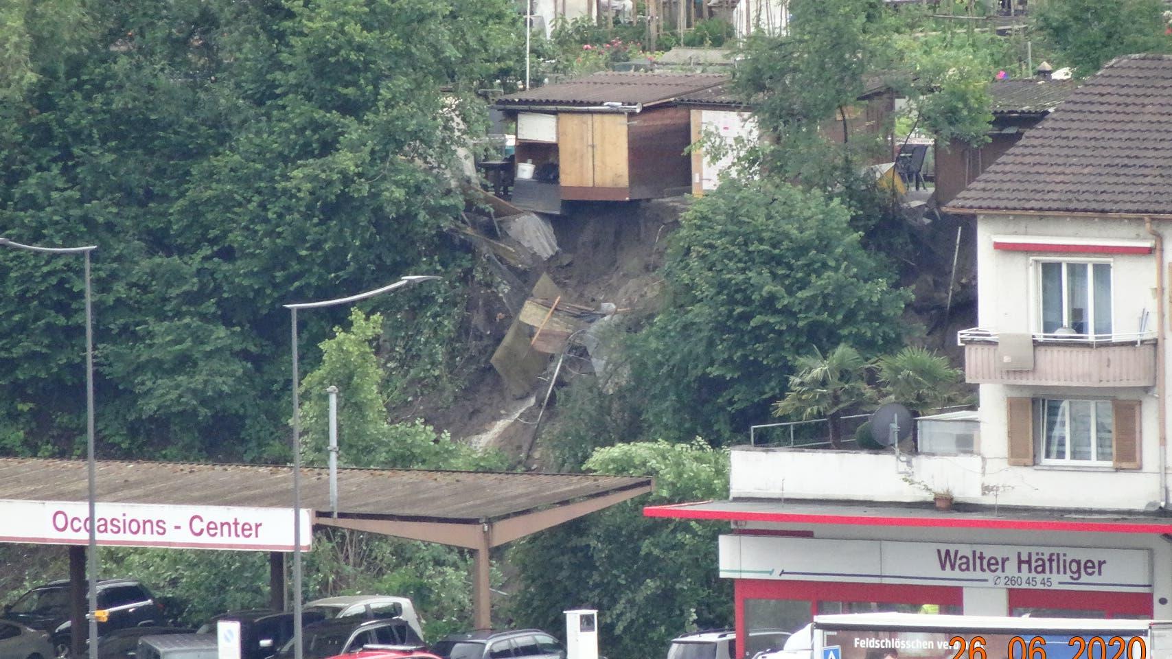Emmenbrücke - Oberhalb der Garage Häfliger ausgangs Seetalplatz Richtung Malters ist es zu einem Rutsch gekommen.