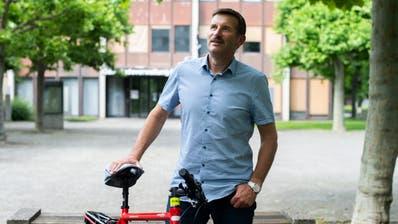 Der Emmer Gemeinderat Josef Schmidli (CVP) freut sich über seine Wiederwahl. (Dominik Wunderli, Emmenbrücke, 28. Juni 2020)