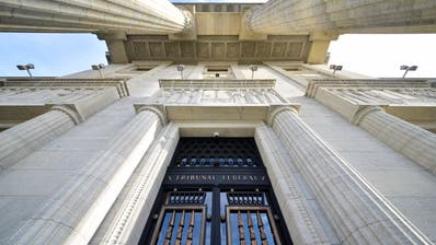 Feudale Rentenregelung: Eingang zum Bundesgericht in Lausanne. (Christian Brun / KEYSTONE)