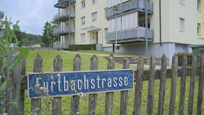 Am Sonntag wurden zwei Kinder und ein Mann tot in einem Mehrfamilienhaus in Eschenz aufgefunden. (Bild: BRK News)
