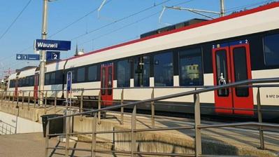 Der Bahnhof Wauwil wird umgebaut, um den Passagieren ein stufenfreies Einsteigen zu ermöglichen. (Bild: PD)