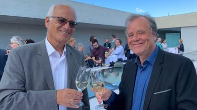 Der abgetretene und der neue Präsident: Christoph Tobler und Werner Fritschi beim Apéro. (Bild: PD/Thurgau Tourismus)