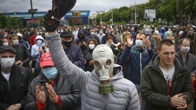 Proteste gegen die Präsidentschaftswahl in Weissrussland am 9. August treiben die Menschen auf die Strasse. (Keystone)