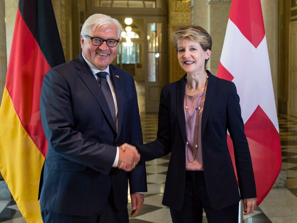 Bundespräsidentin Simonetta Sommaruga und der deutsche Bundespräsident Frank-Walter Steinmeier setzen zusammen mit ihrem österreichischen Amtskollegen Alexander Van der Bellen auf eine nachhaltige Klimapolitik.