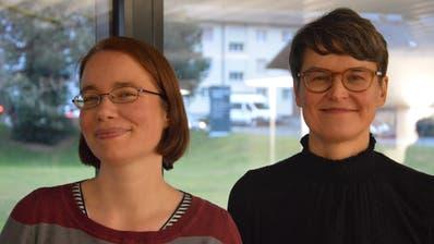 Susanne Businger (links) und Nadja Ramsauer. Die beiden Historikerinnen führen die Studie im Auftrag des HVU durch. (Bild: PD)