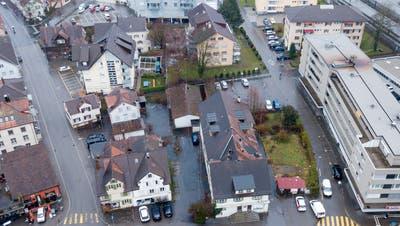 Das Goldacher Dorfzentrum wartet auf eine Erneuerung: 32 Mietwohnungen sollen hier entstehen. (Bild: Tino Dietsche (Februar 2020))