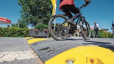 Weniger Hindernisse und Schwellen: Zuger Stadtparlamentarier will die Situation für Velofahrer in Zug verbessern