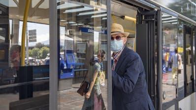 Ab Montag ist die Maske für alle ÖV-Passagiere obligatorisch. (Bild: Urs Flüeler, Keystone)