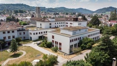 Das Pflegeunternehmen Solviva AG ist am Spital Flawil interessiert. (Bild: Ralph Ribi)