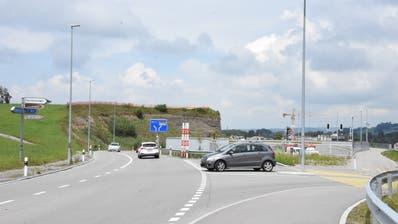 Beim Anschluss Engi kommt es zu einer Komplettsperrung. (Bild: Urs M. Hemm (11. Juni 2020))