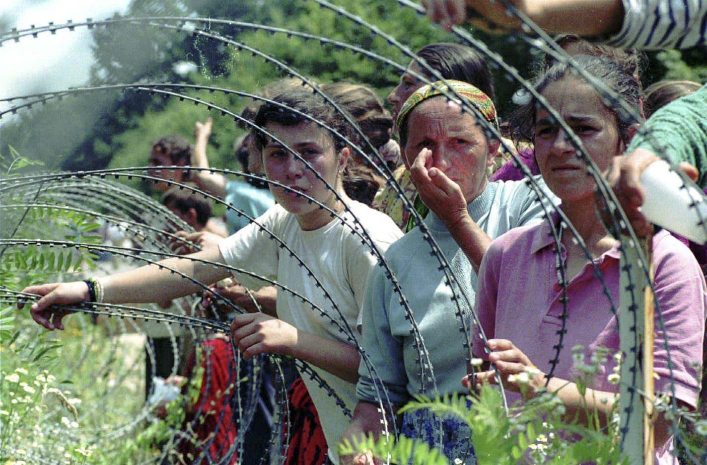 Bosnisch-serbische Truppen trennten die Frauen am 11. und 12. Juli von ihren Männern, Söhnen und Vätern.