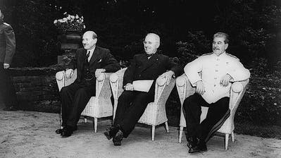 Die «Grossen Drei» in Potsdam: Attlee (GB), Truman (USA) und Stalin (SU). (Bild: Imago United Archives International)
