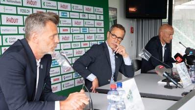 Dieses Trio arbeitet langfristig in St.Gallen: (v.l.) Sportchef Alain Sutter, Präsident Matthias Hüppi und Trainer Peter Zeidler. (Bild: Ralph Ribi (St.Gallen, 15. Juli 2020))