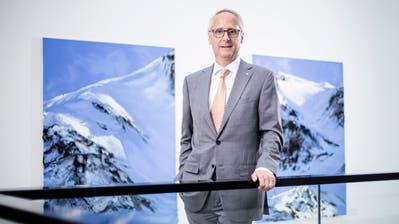 Urs Rüegsegger, Präsident der Zuger Kantonalbank, am Hauptsitz der Bank am Postplatz in Zug. (Bild: Stefan Kaiser (16. Juli 2020))