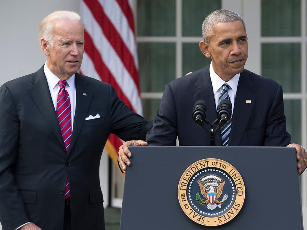 Die Twitter-Accounts des ehemaligen US-Präsidenten Barack Obama (rechts) und des demokratischen Präsidentschaftskandidaten Joe Biden sind gehackt worden.