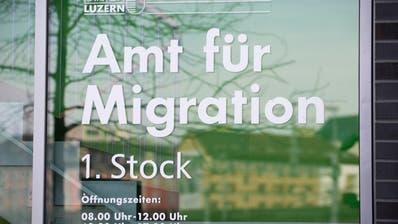 Der Eingang zum Amt für Migration des Kanton Luzern. (Bild: Anthony Anex/Keystone)