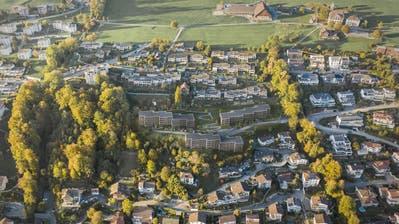 So soll die Überbauung Weinhalde (in der Bildmitte) am Sonnenberg in Kriens aussehen. (Visualisierung: Werner Baumgartner & Partner AG)