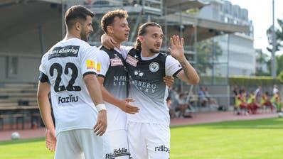 Die Wiler bejubeln das zwischenzeitliche 2:0. (Bild: Gianluca Lombardi)