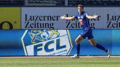 Pascal Schürpf von Luzern feiert sein Tor zum 3:3 beim Super League Meisterschaftsspiel zwischen dem FC Luzern und dem FC Lugano am 12. Juli. (Bild: Urs Flüeler/Keystone)