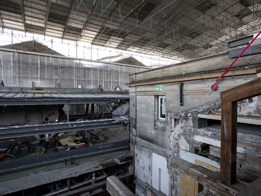 Die Sanierungsarbeiten am Südtrakt des Zürcher Hauptbahnhofs dauern über drei Jahre ...