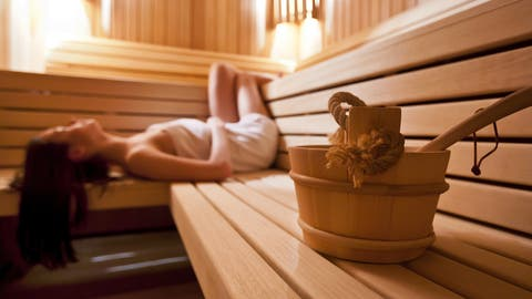 In einer Sauna. ((Bild: Fotolia))