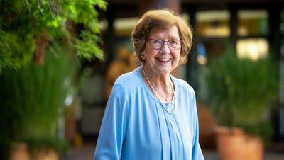 «Lachen und gigelen kann ich noch gut», sagt die 95-jährige Elisabeth Furler. (Bild: Boris Bürgisser (Weggis, 27. Juli 2020))