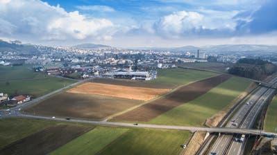 Blick von Münchwilen auf Wil West: Auf dem Areal sollen bis zu 3000 Arbeitsplätze entstehen. ((Bild: Hanspeter Schiess und Urs Bucher))