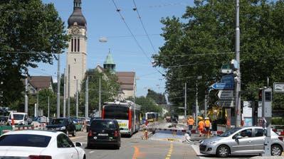 Der Abschnitt der Rorschacher Strasse vom Neudorf (Bild) bis zur Zil-Kreuzung wurde in den vergangenen zwei Jahren saniert. Dieses Wochenende werden die Arbeiten abgeschlossen. (Bild: Reto Voneschen (13.7.2018))