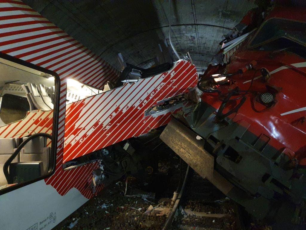 Bei einer Zugskollision im Wallis sind mehrere Menschen verletzt worden.