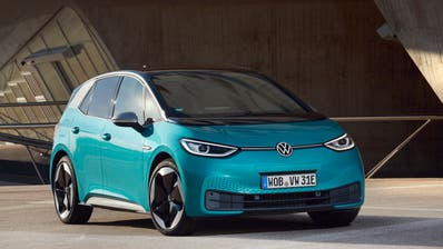 «Ich bin davon überzeugt, dass der E-Mobilität nun endlich der Durchbruch gelingt», sagt VW-Vorstand Jürgen Stackmann. Dafür bringt der ID.3 viele Stärken mit – aber auch noch Kinderkrankheiten. (Bild: VW)