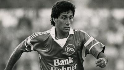 Hugo Rubio wurde vom «St.Galler Tagblatt» schon nach seinem ersten Ernstkampf für Grünweiss als «Diamant» bezeichnet. Erspielte zwischen 1989 und 1991 für den FC St.Gallen. In insgesamt 66 Spielen für die «Espen» erzielte der chilenische Flügelstürmer 18 Tore. (Archiv «St.Galler Tagblatt»)